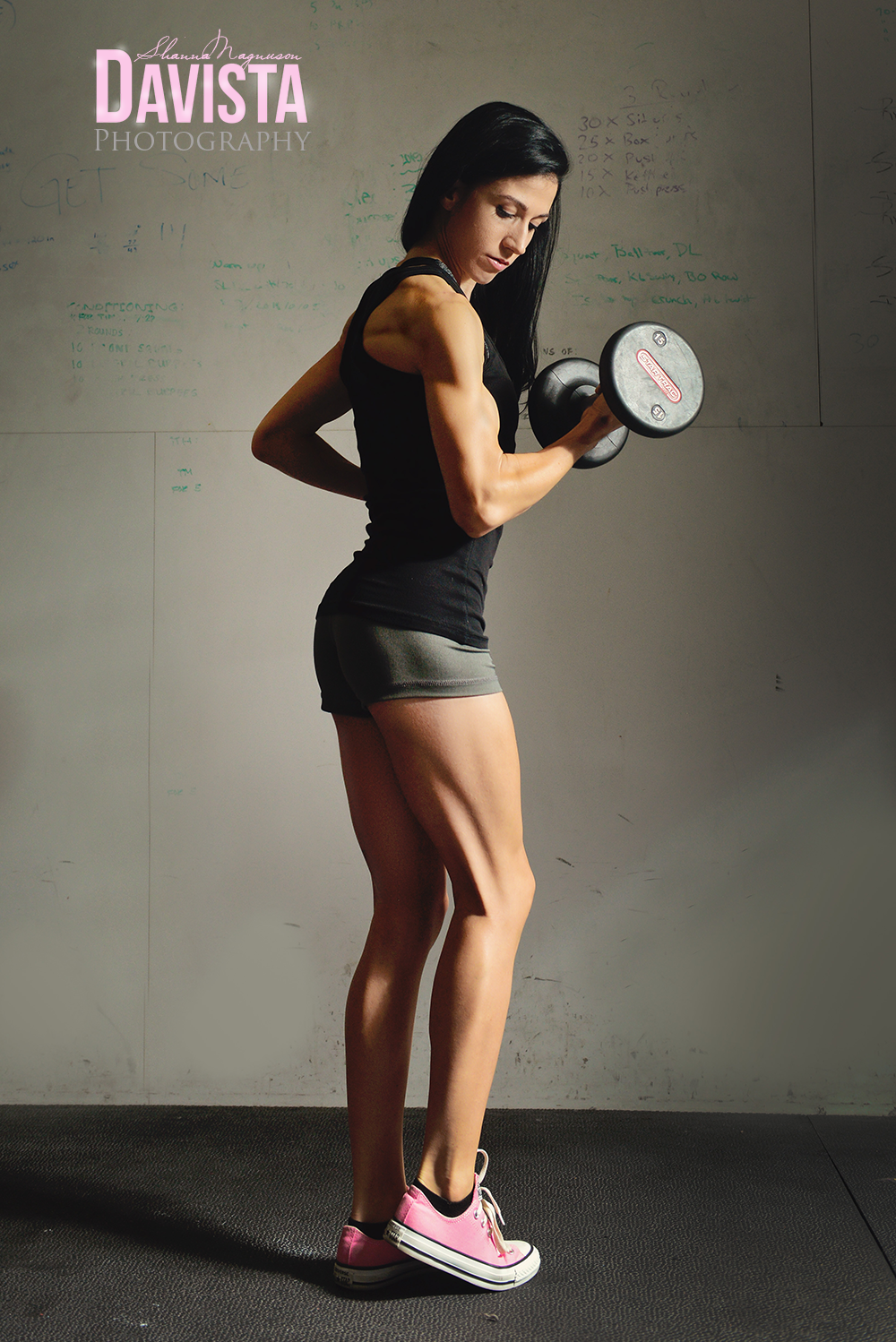 el-paso-texas-fitness-womens-poses-weights-photographer