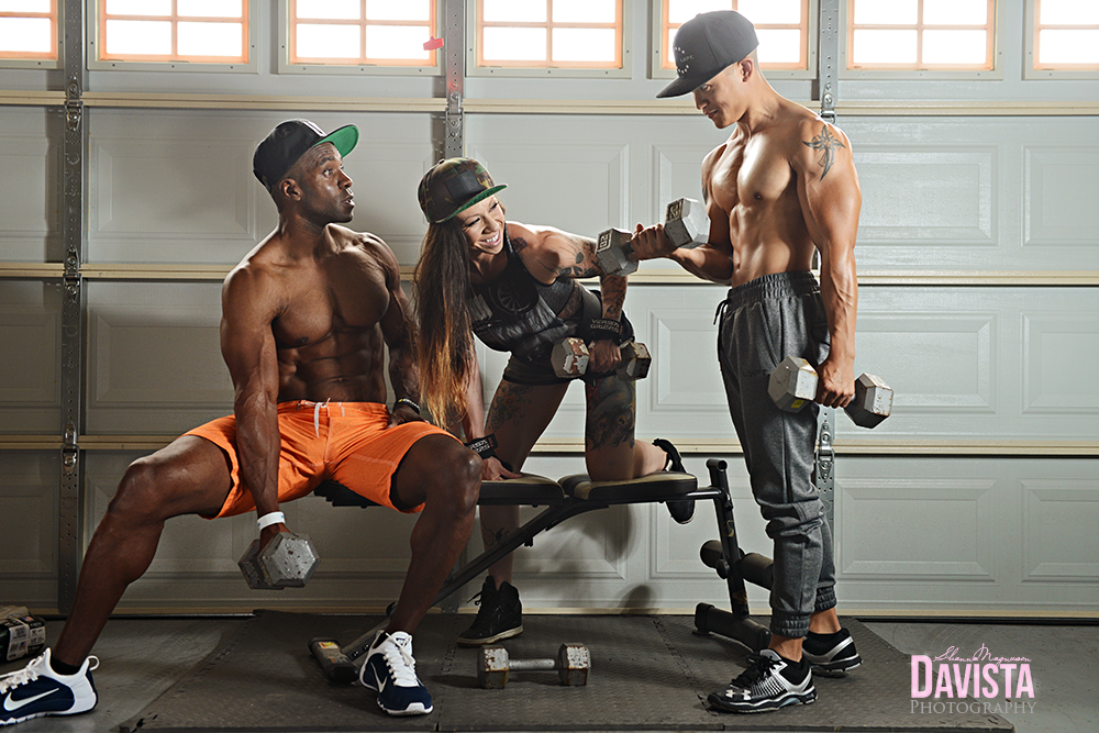 group-fitness-poses-weight-lifting-