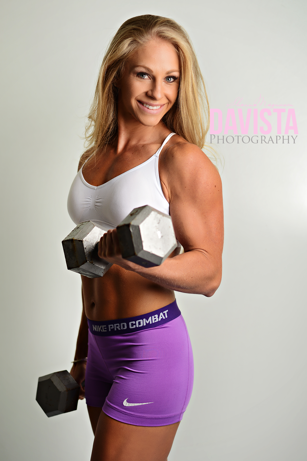 posing for women with weights