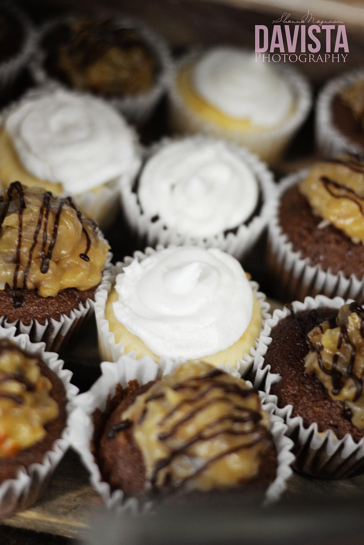 cupcakes at reception