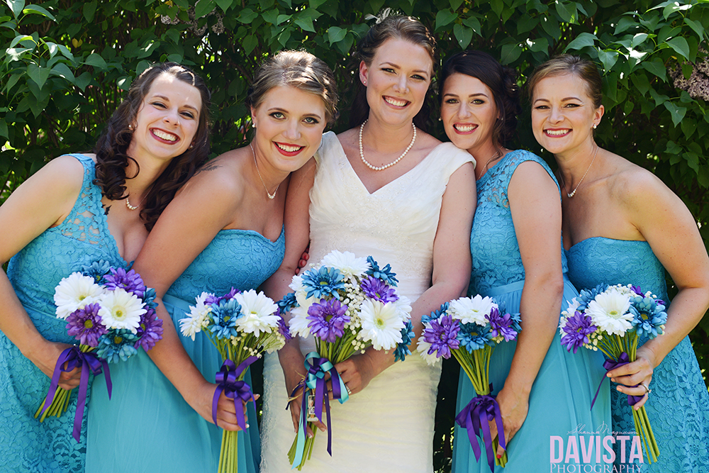outdoor bridesmaid photographs
