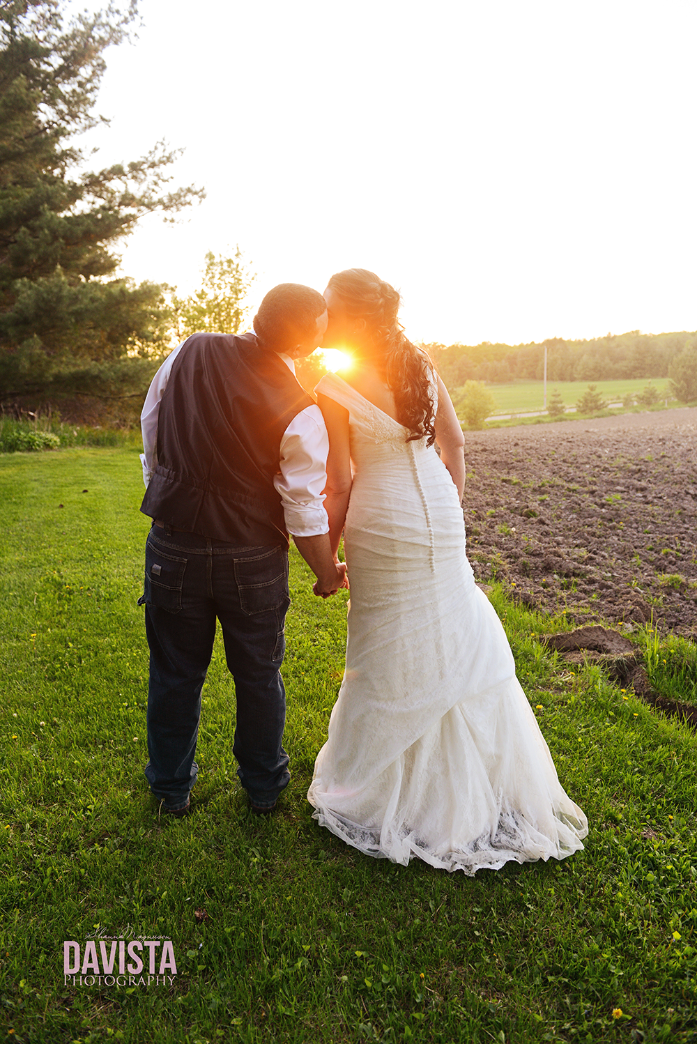 beautiful minnesota sunset wedding