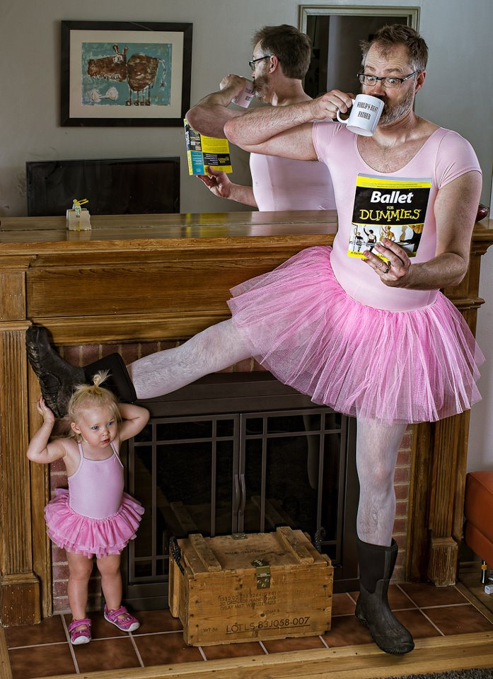 cool-best-father-baby-funny-photography-chicquero-ballet-class.jpg