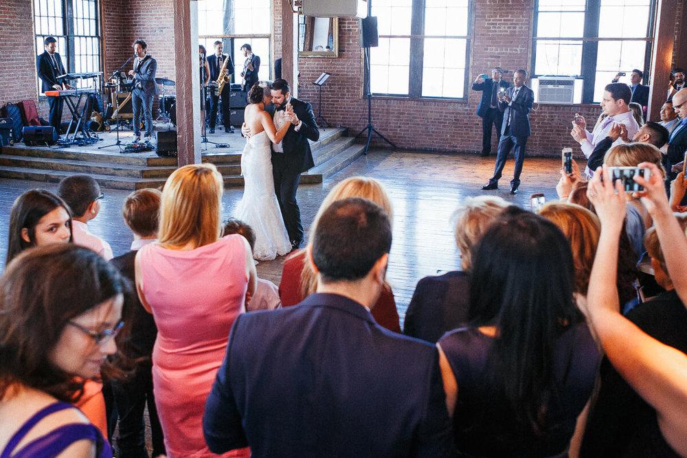 Wedding_photographer_New_York_City_Metropolitan_building_Peterrigophotography_0082.jpg