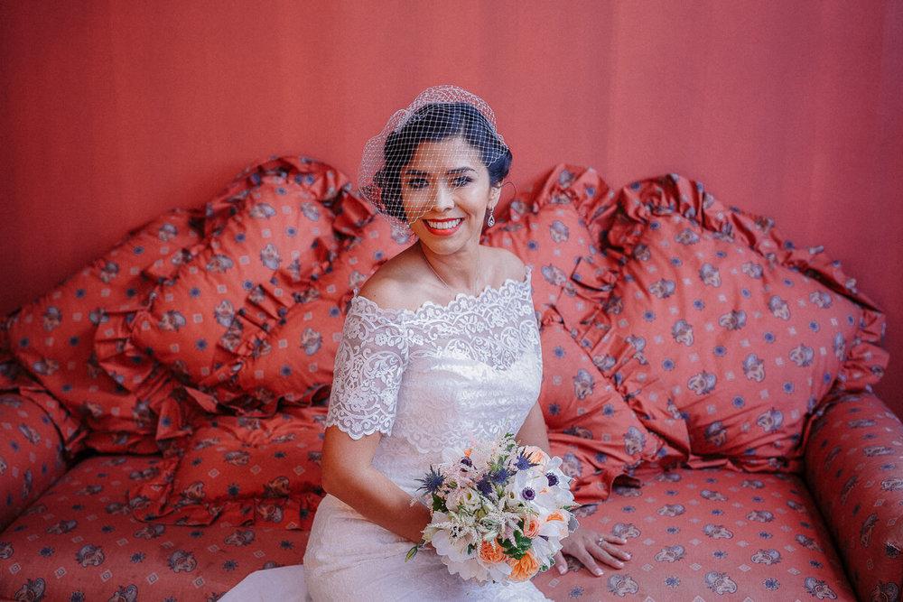 Wedding_photographer_New_York_City_Metropolitan_building_Peterrigophotography_0031.jpg