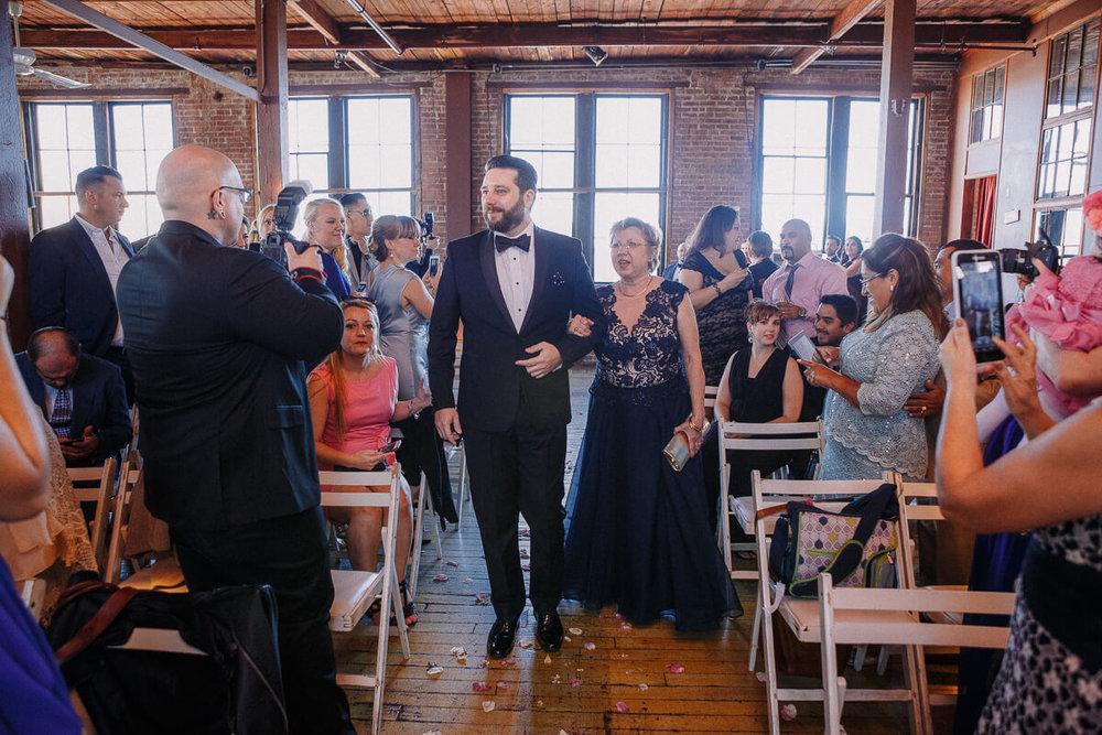 Wedding_photographer_New_York_City_Metropolitan_building_Peterrigophotography_0033.jpg