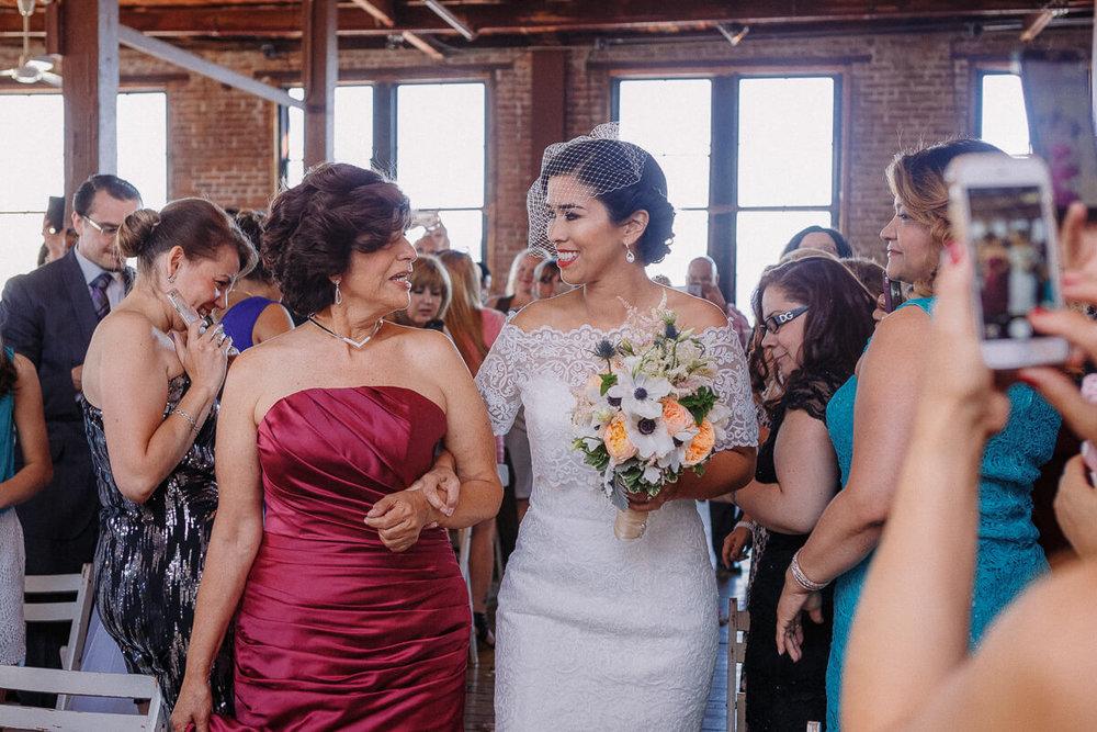 Wedding_photographer_New_York_City_Metropolitan_building_Peterrigophotography_0040.jpg