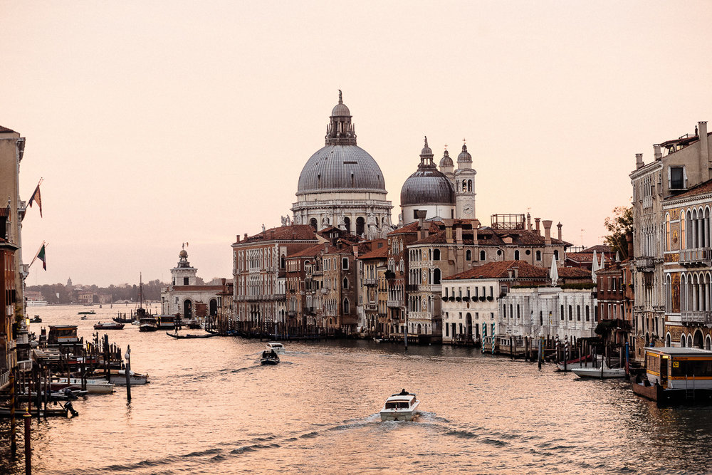 Wedding_photographer_Venice_Italy_Europe_Peterrigophotography_0001.jpg