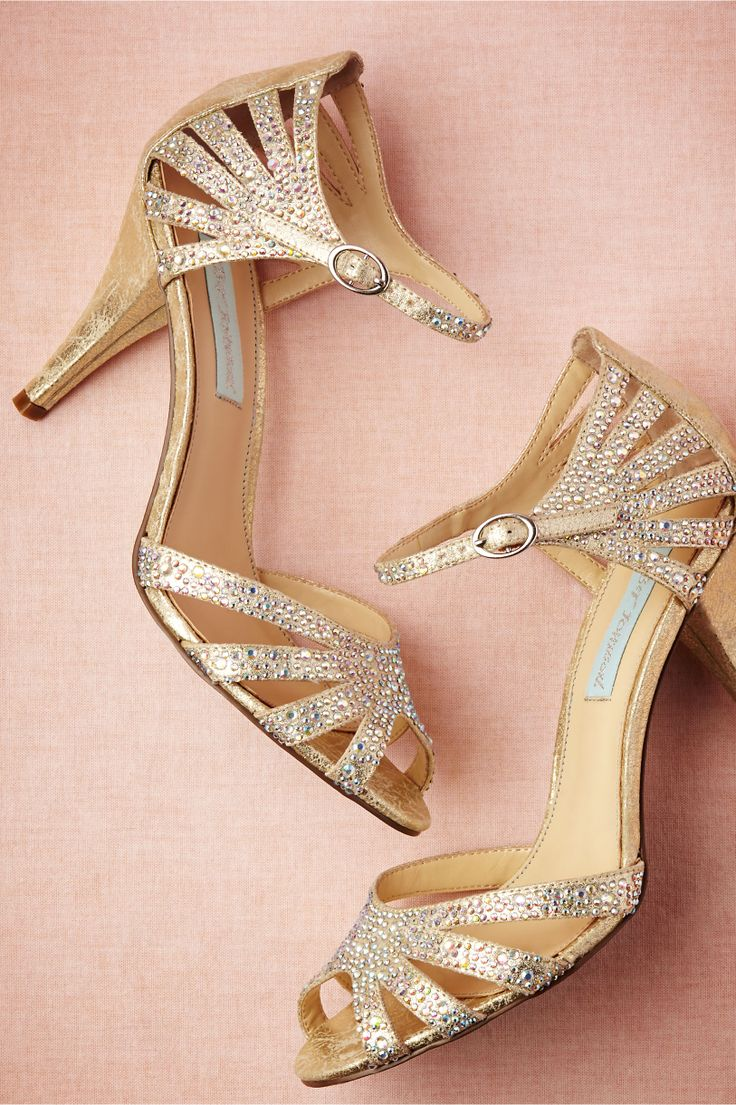 I love the details of these Champagne Sparkle Heels! They look comfortable for a long wedding day.