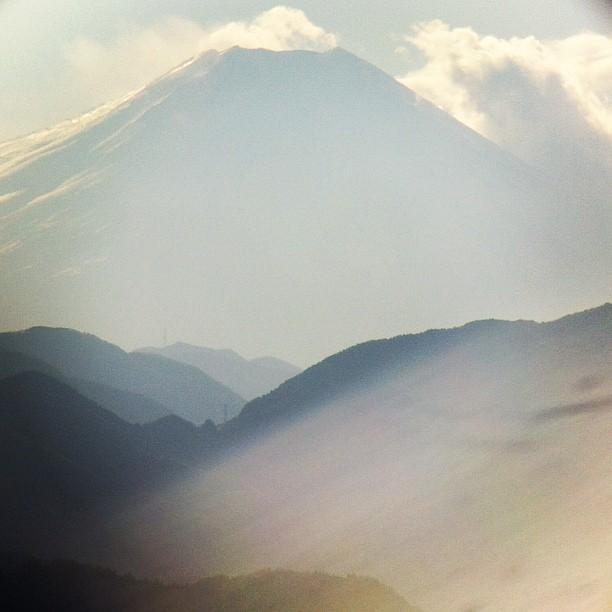 #Mountain #fuji thru the #binocular