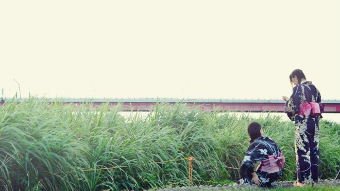 """Yukata"" a casual summer kimono, you still see many girls wearing it walking down the street…yeah, i love summer."