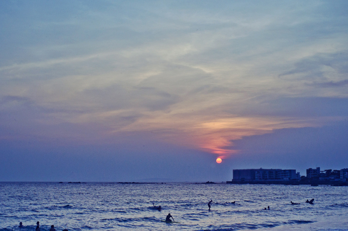 I was so enjoying the sunset at Hayama beach, Mother Nature…you are beautiful.