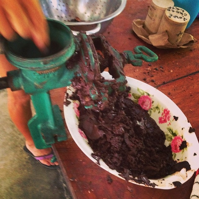 Raw Chocolate Making Class, Made with Local Resources.