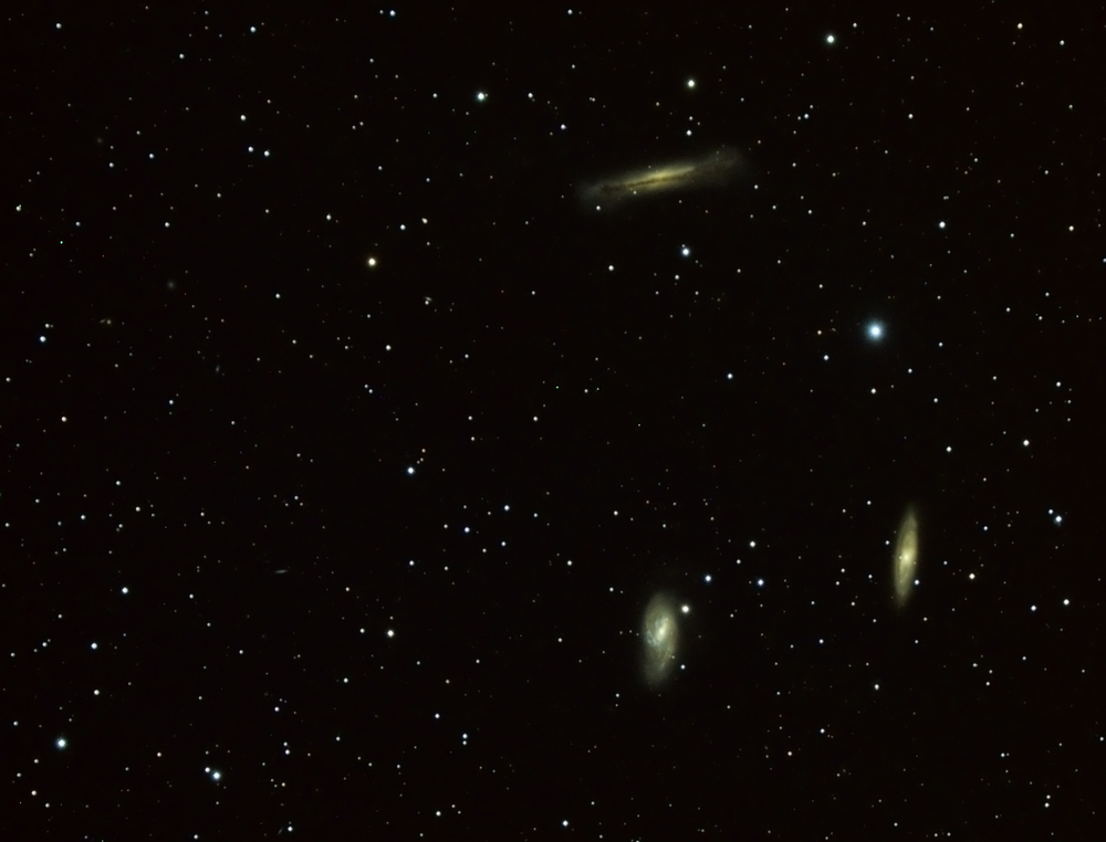 M66 (bottom left), M65 (bottom right) and NGC 3628, aka the Hamburger galaxy (top). Takahashi sky90, f/4.6, 417mm, 12 x 5 minutes colour.