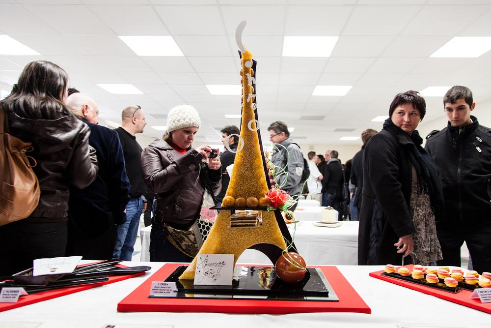 Les pièces et buffets, après avoir été notés, sont présentés au public.