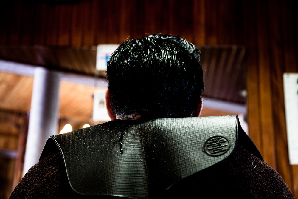 09 Juillet 2013. Jacky, chez le coiffeur.  Extrait du projet webdocumentaire   Les Pieds dans la France  , co-réalisé avec Stéphane Doulé et Camille Millerand.