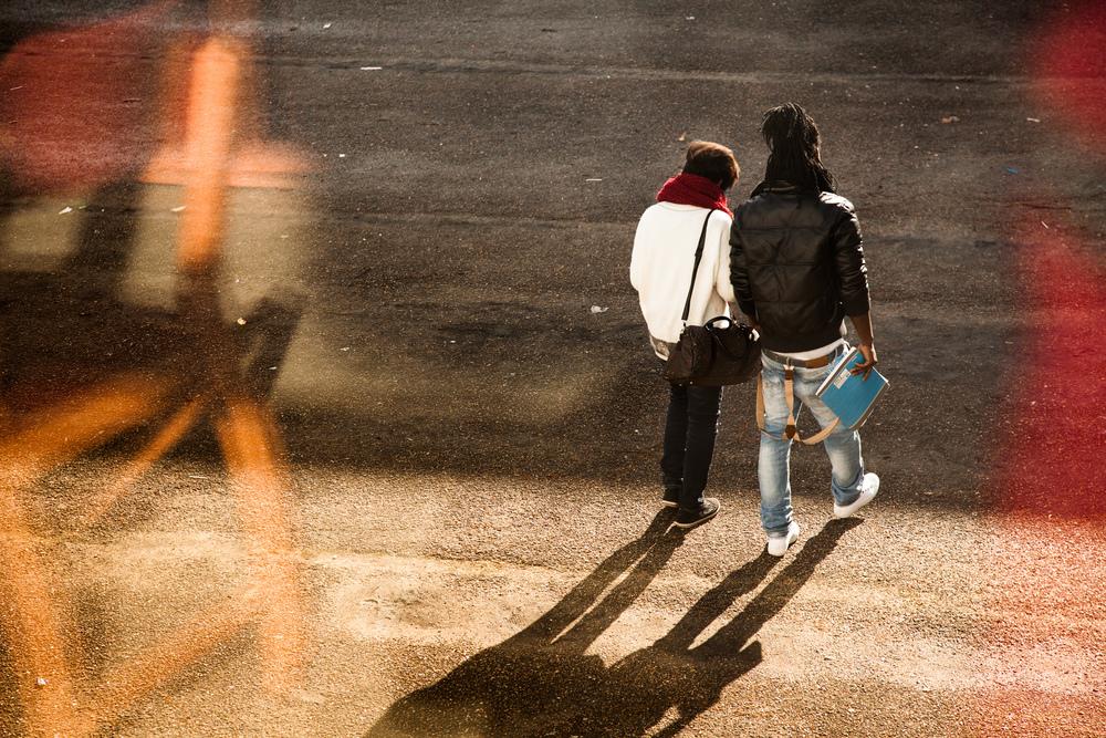 Dans la cour du collège.  Extrait du projetLes pieds dans la Franceco-réalisé avecStéphane DouléetCamille Millerand.   http://www.unpieddanslafrance.fr/evreux
