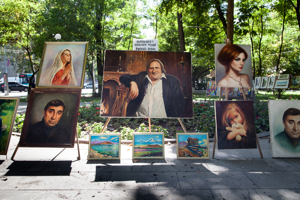 Sur un marché aux peintres, à Yérévan.
