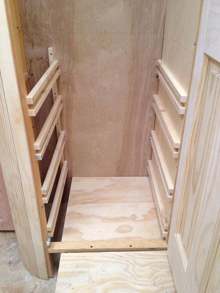 studio-closet-dresser-drawer-assembly-3-600px.jpg