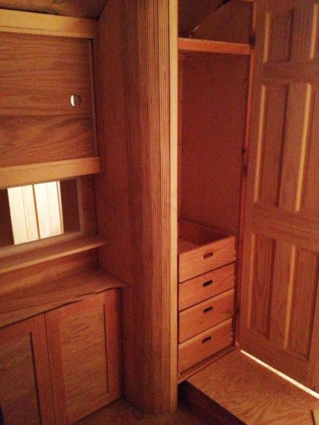 studio-closet-dresser-drawer-assembly-6-600px.jpg