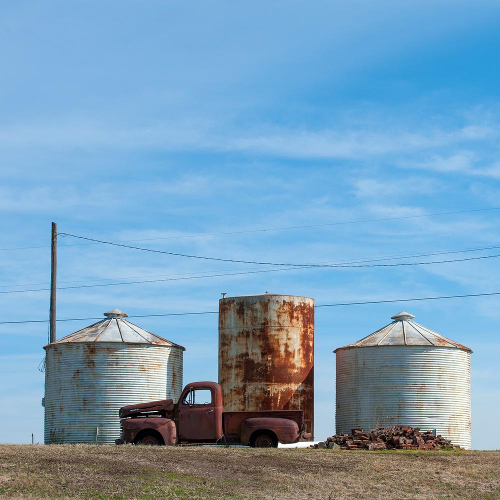 truck silos.jpg