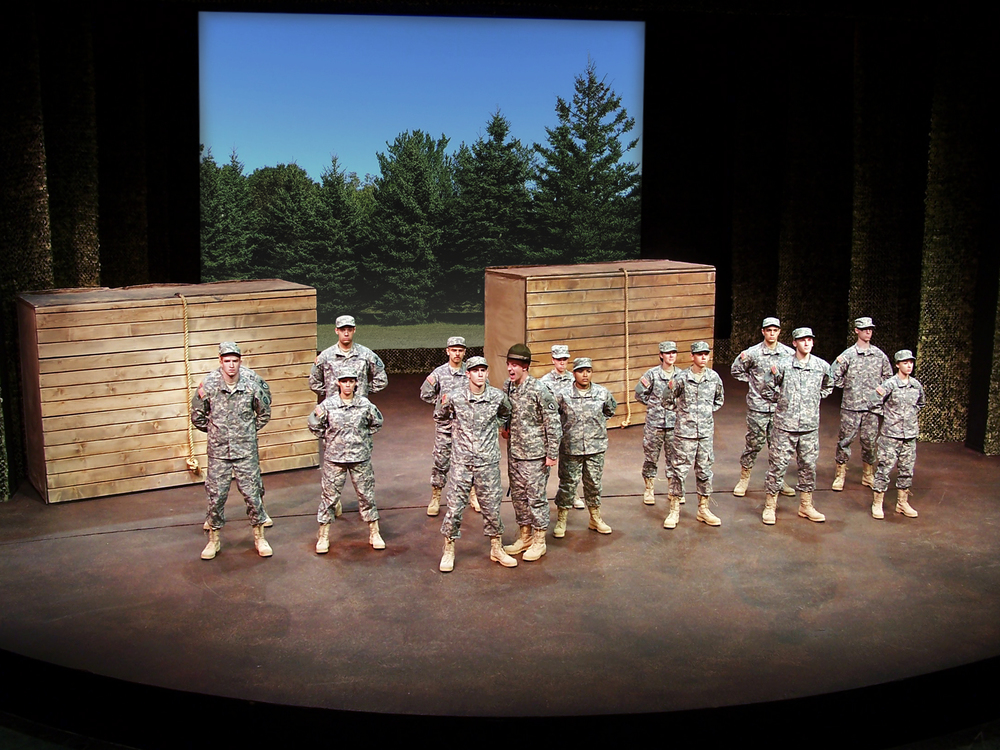 andybroomell-scenic-design-soldiers-circle-4.jpg