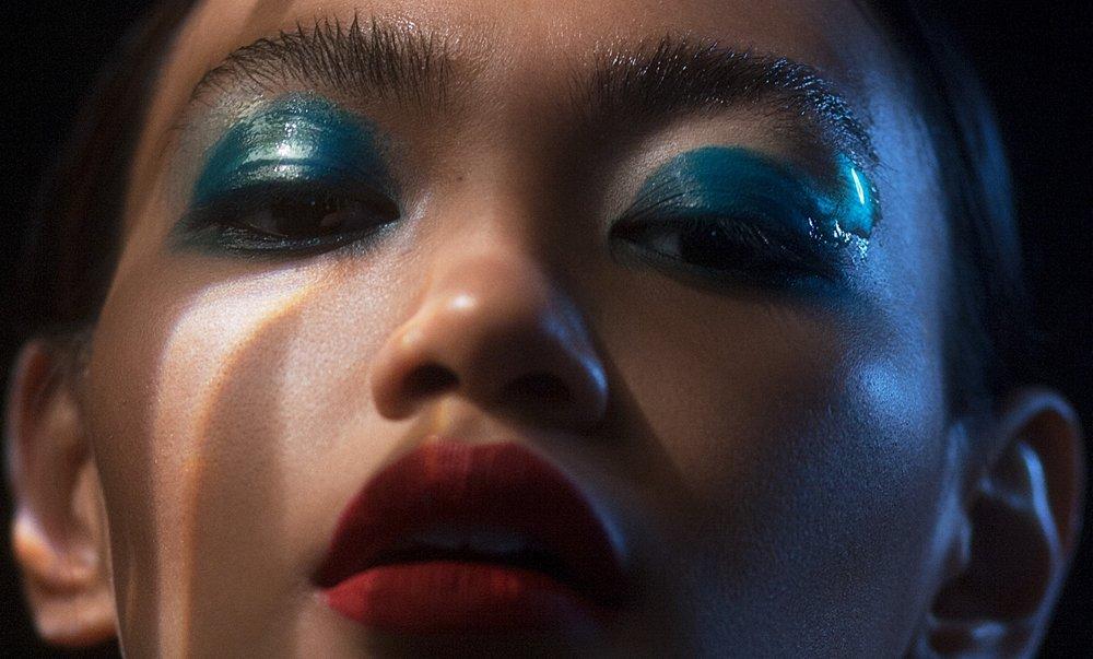 GLITTER & GLOSS - Photographer / Film maker - Malorie ShmyrMakeup Artist - Rebecca NantelRetoucher - Agata @ re-touch.plModel - Cathrina of Numa Models