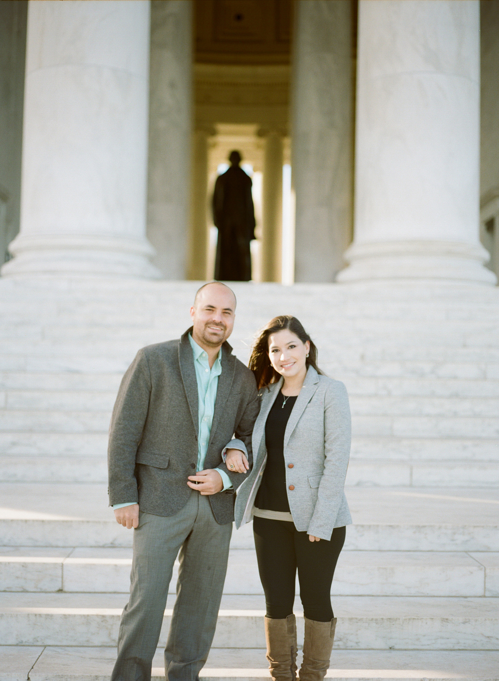 Jefferson-Memorial-Engagement-Photography008.jpg