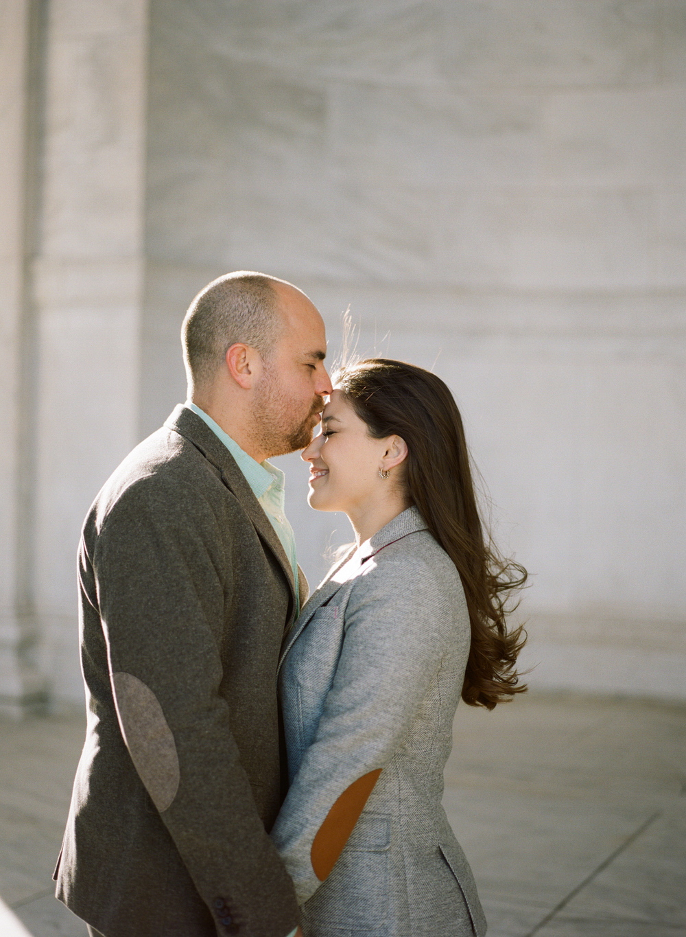 Jefferson-Memorial-Engagement-Photography011.jpg