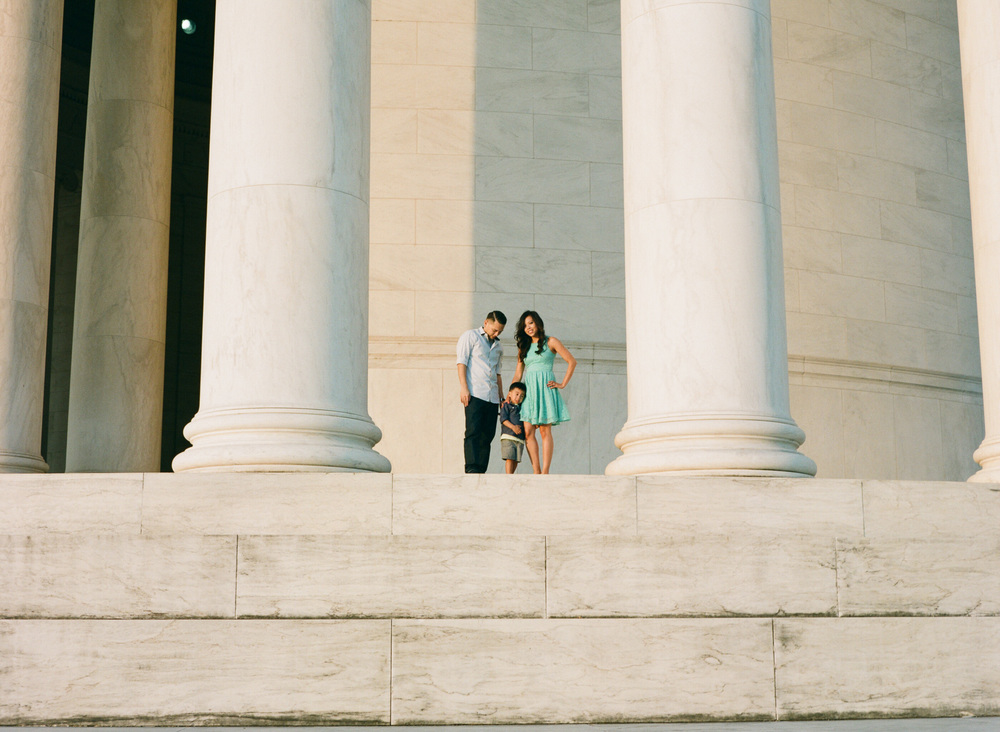 Jefferson-Memorial-Portrait-Photographer-13.jpg