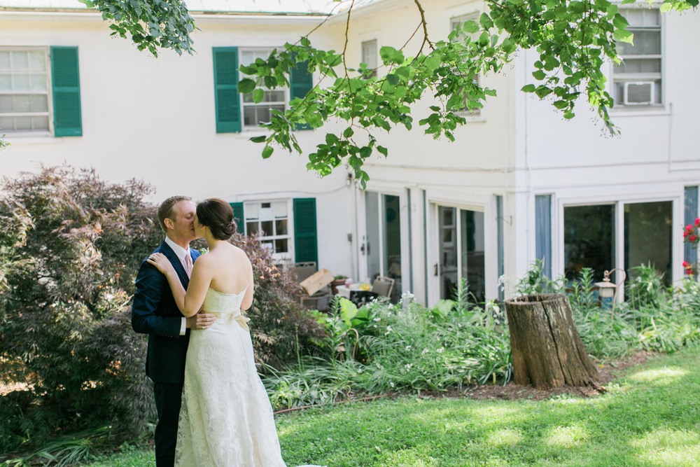034-bride-and-groom-first-look-at-briar-patch-middleburg-virginia.jpg
