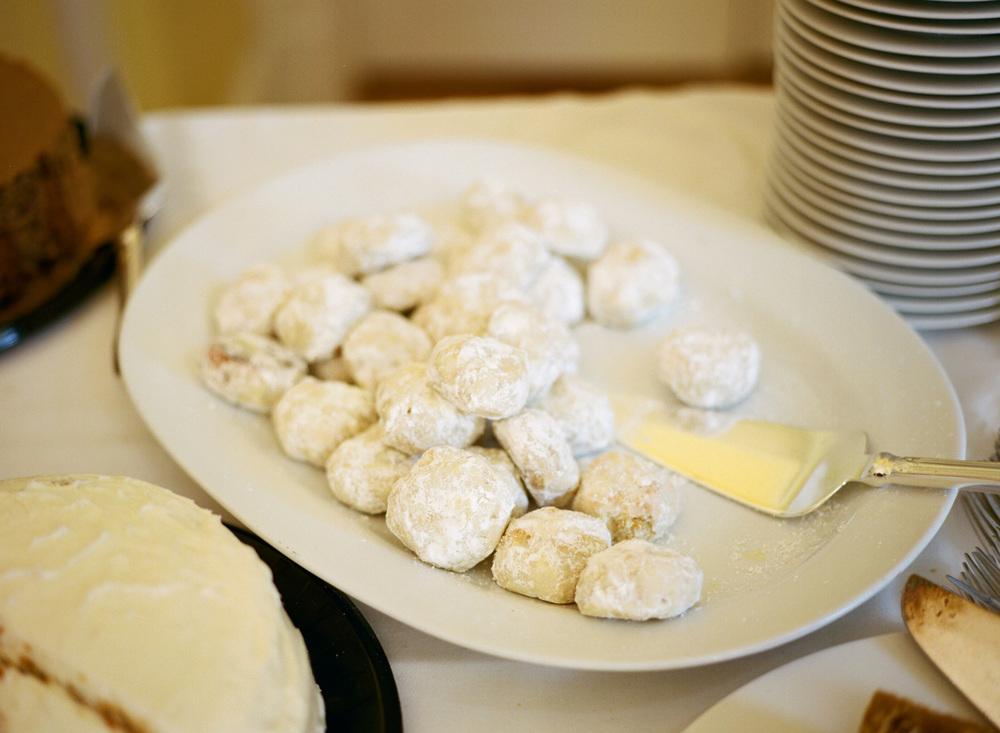 615-wedding-desserts.jpg