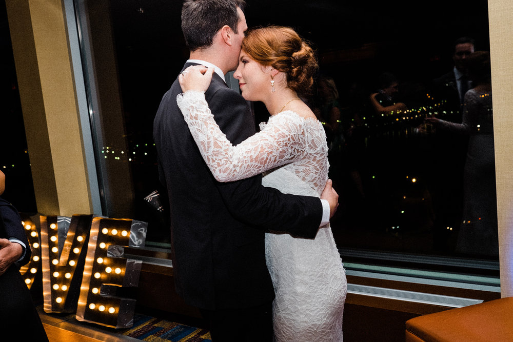 093-lauren-and-james-key-bridge-marriot-wedding.jpg