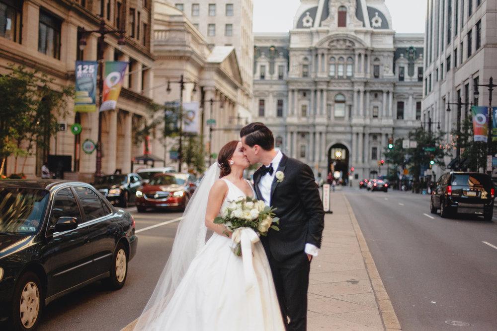 530-philadelphia-musuem-of-art-wedding-photographer.jpg