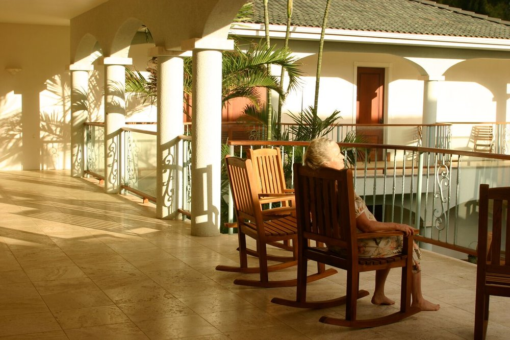 HIR rocking chair relaxation big island .jpg