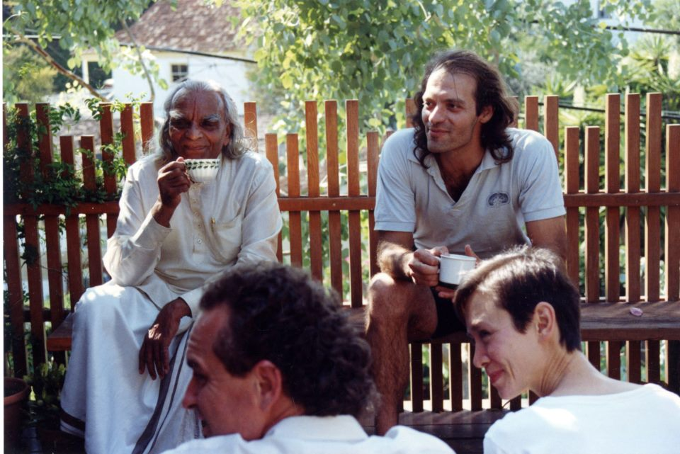 Guruji and Manouso 1990.jpg