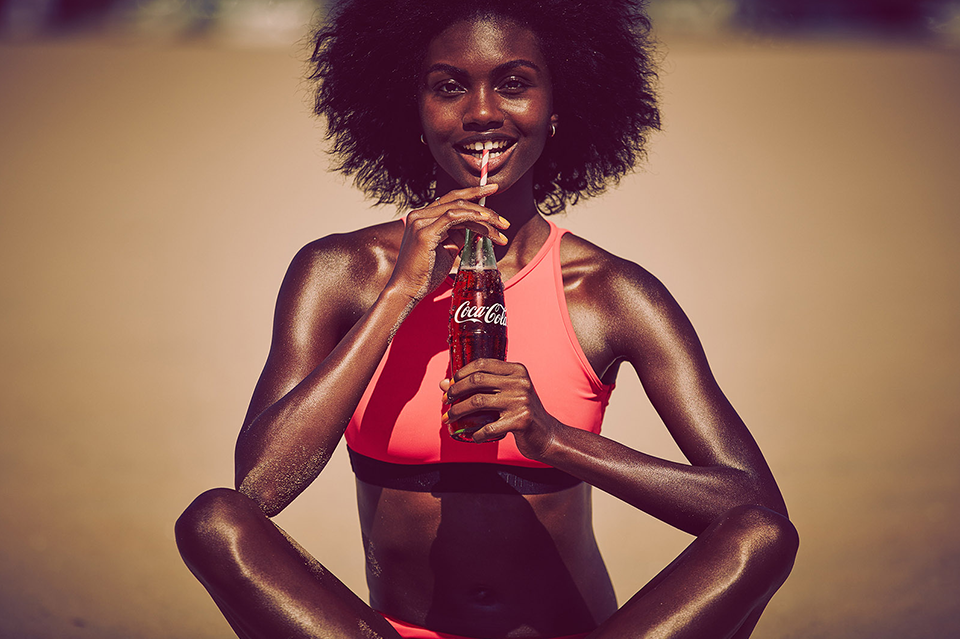 COCA-COLA_0011_Carma_Photo_Drinking_37-1.png
