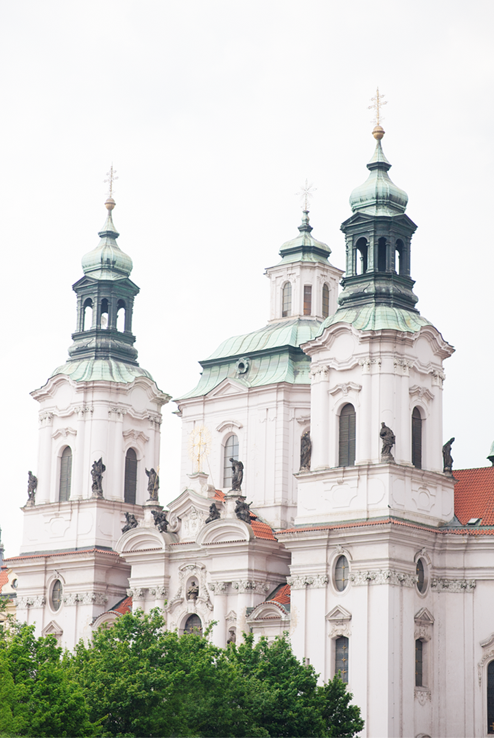 radostina_photography_prague_church.png