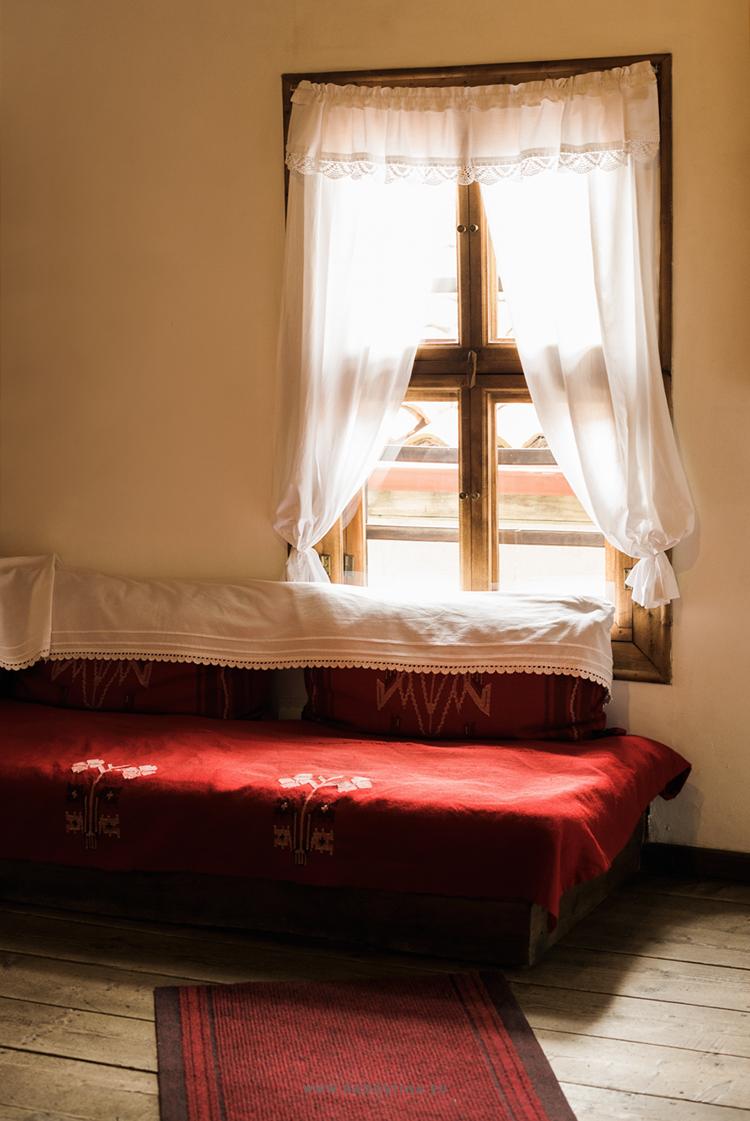 radostina_photography_travel_bulgaria_detail_interior.png