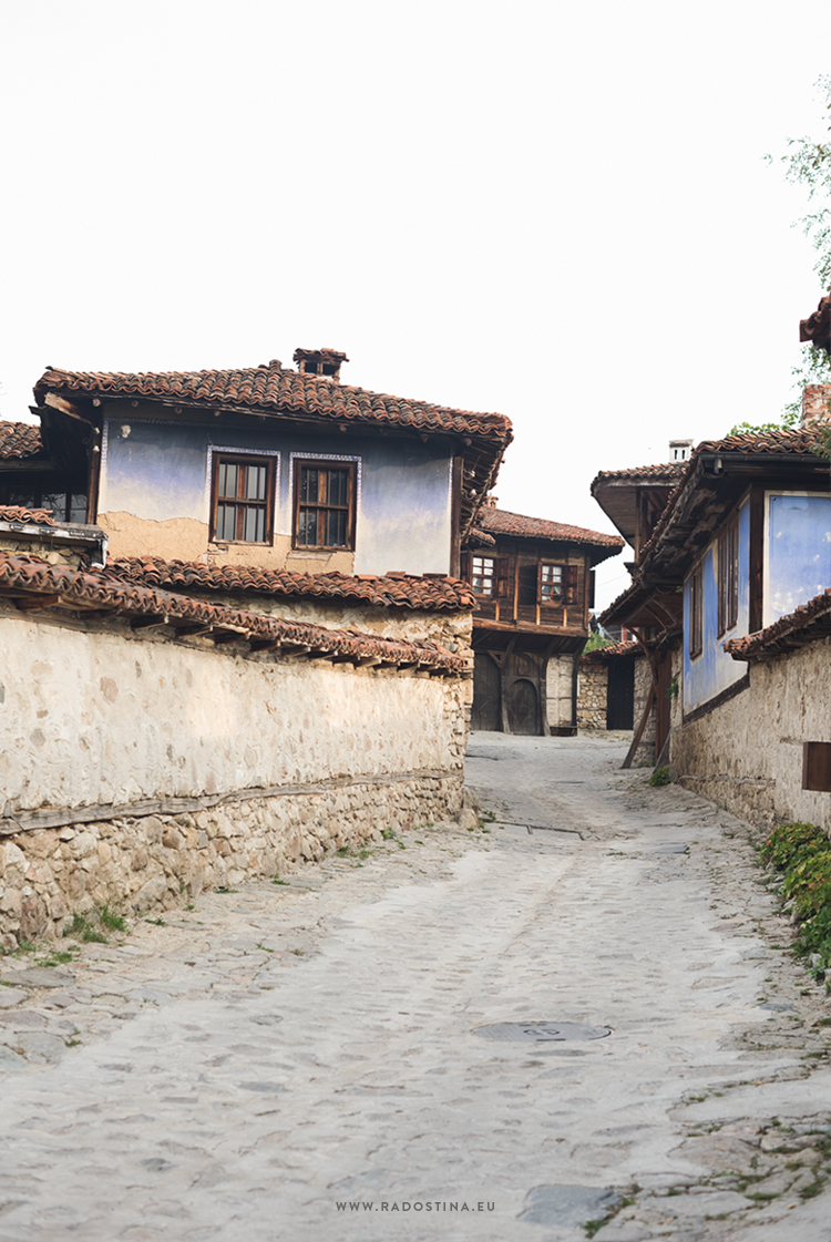 radostina_photography_travel_bulgaria_traditional_house.png