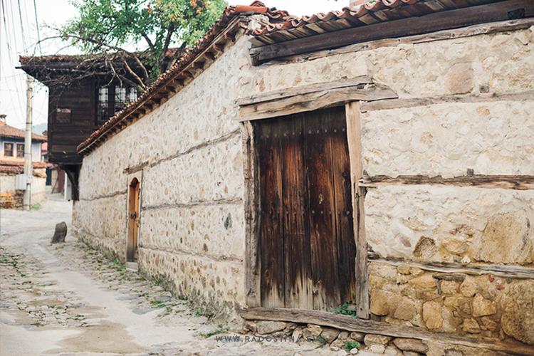 radostina_travel_bulgaria_details.png
