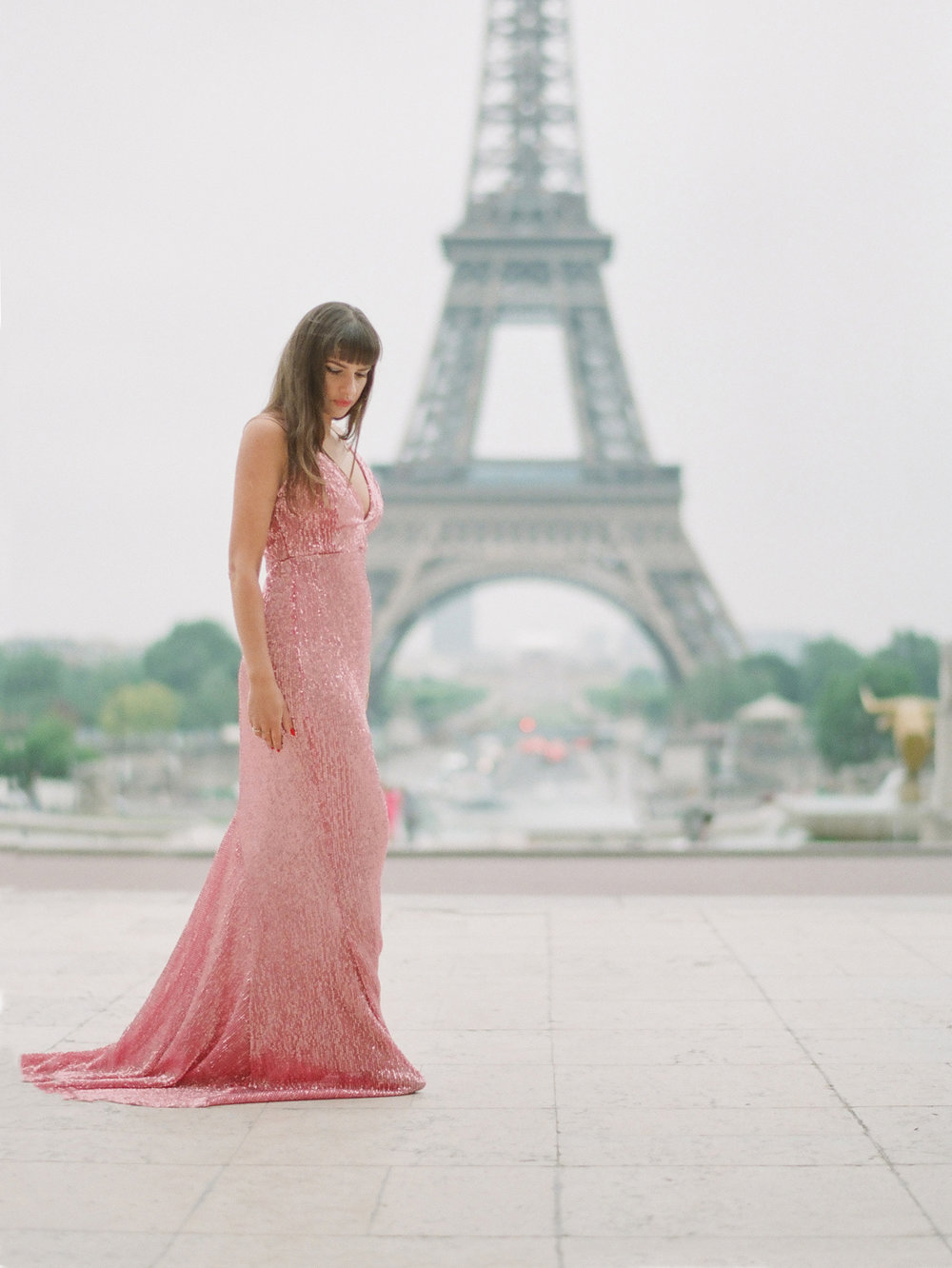 Engagement session on film from Paris vintage