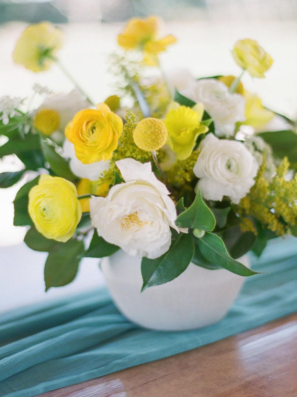 mid century modern flower centerpiece