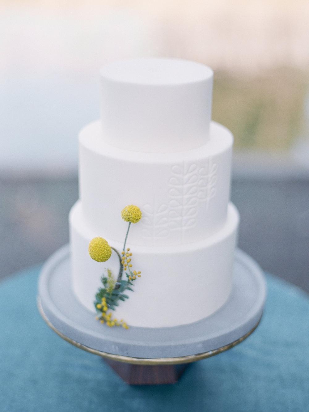 mid century inspired wedding cake