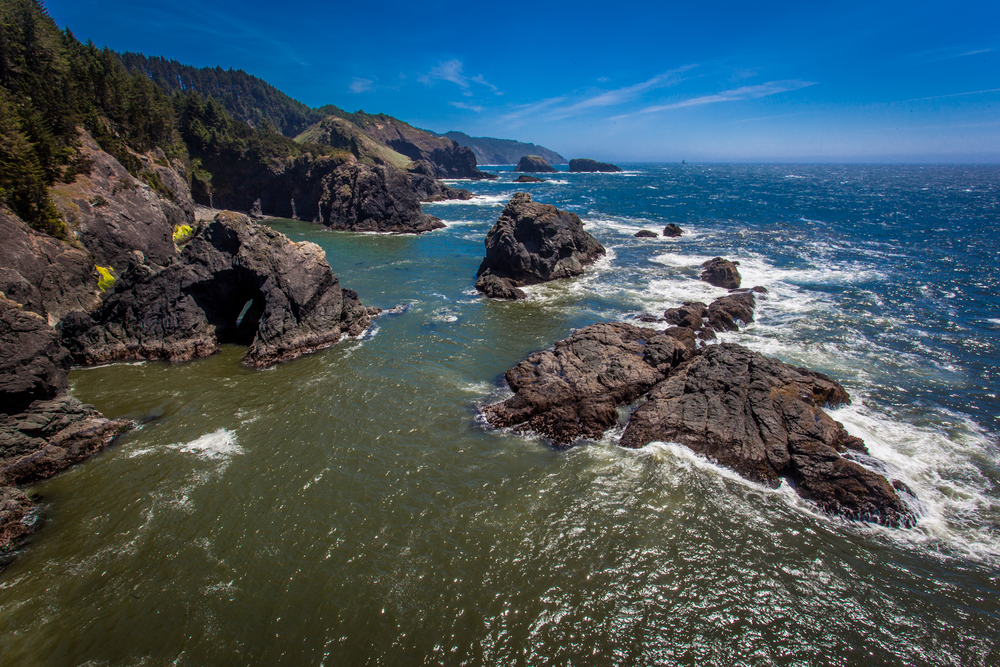The Northern Californian coast at the border of Oregon offers spectacular beauty and an amazing get-a-way. 17mm f/22 1/30 sec
