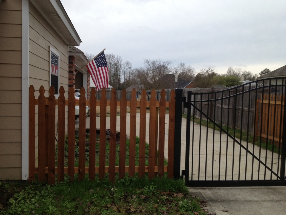 Baton Rouge Painter - Fence staining (after)