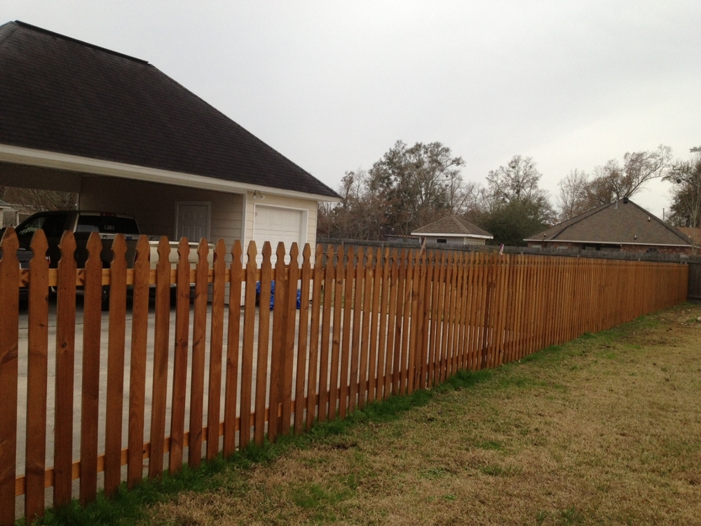Fence staining (after) - Prairieville, La