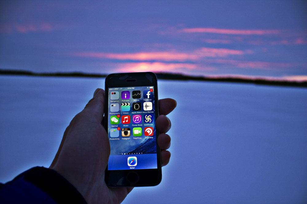 hand-holding-cellphone.jpg