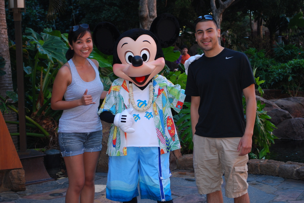 Aulani Disney Resort, Oahu | We took a quick photo with Mickey while waiting to eat at the Makahiki Restaurant.
