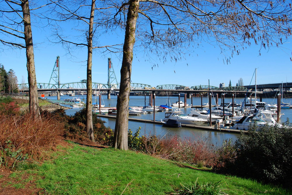 We also enjoyed breakfast along the waterfront one beautiful, sunny morning before heading to Multnomah Falls.